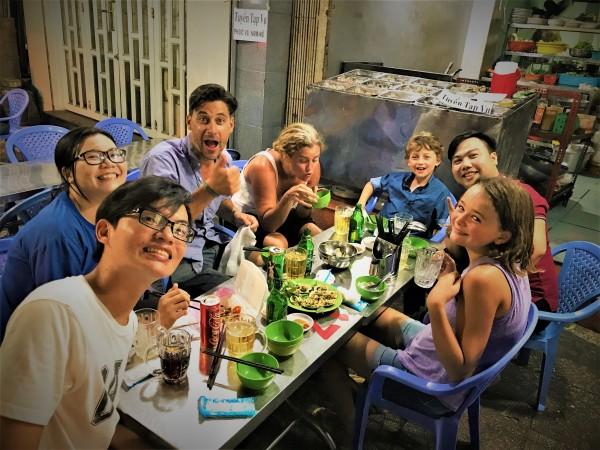 SAIGON TOURS – EVENING VIETNAMESE FOOD TOUR BY MOTORBIKE