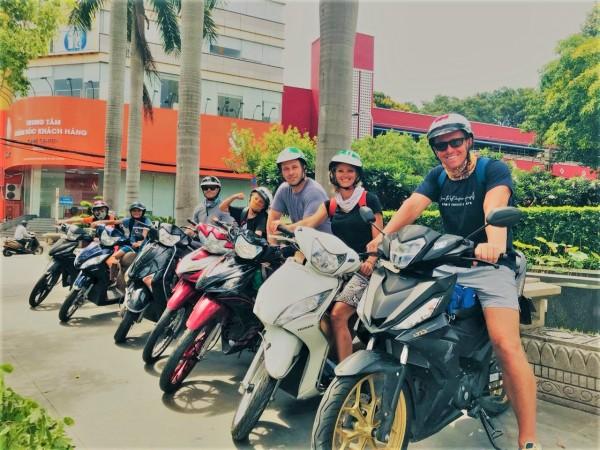 SAIGON TOURS – MORNING SAIGON LOCAL SIGHTSEEING TOUR BY MOTORBIKE